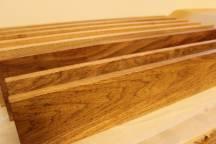 蘇る木材たち ~棚板に仕上げています~