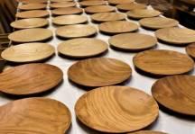 木のお皿の種類が増えました。
