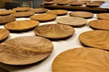 「木のお皿」にオニグルミが追加しました!